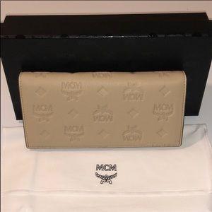 ❤️New MCM Klara Two-Fold Wallet Monogram Leather